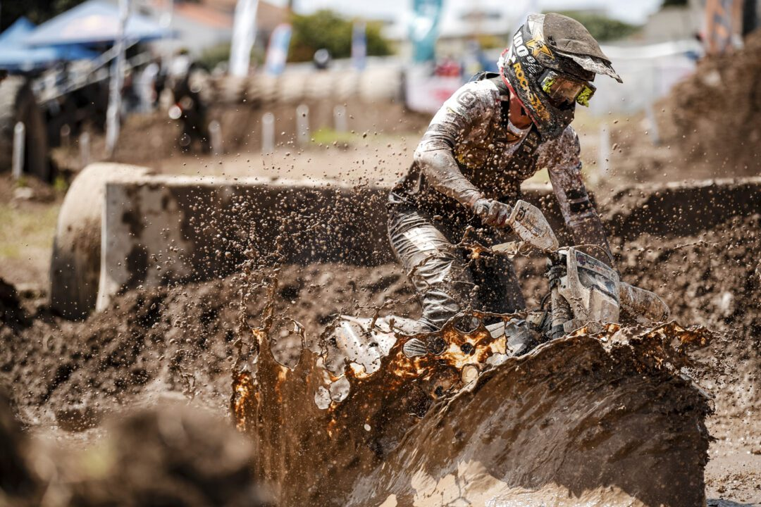 Briton Bolt wins in the mud at Portugal's Extreme XL Lagares